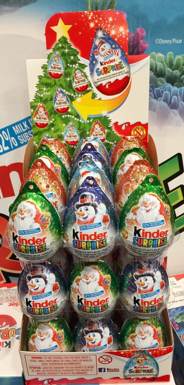 Coup de coeur certain pour les enfants à Noel prochain, les kinder surprise à accrocher à l'arbre.