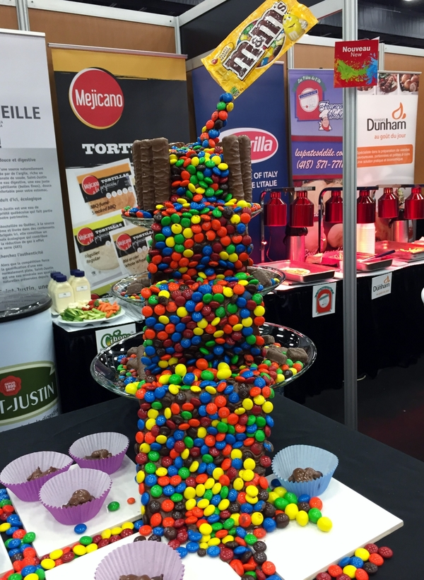 Mars Canada had a  M&M display so cool we had to show you!